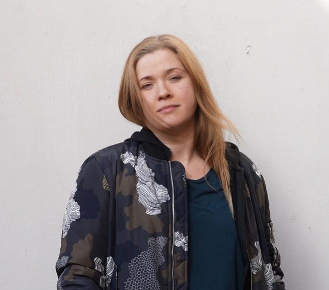 Corina Akner, Värt